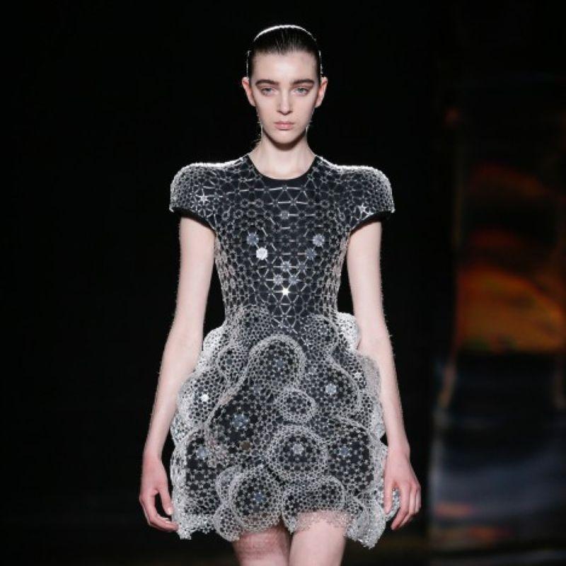 Paris Fashion Week Haute Couture 2016 Le Prime Due Giornate Foto Video Velvet Style