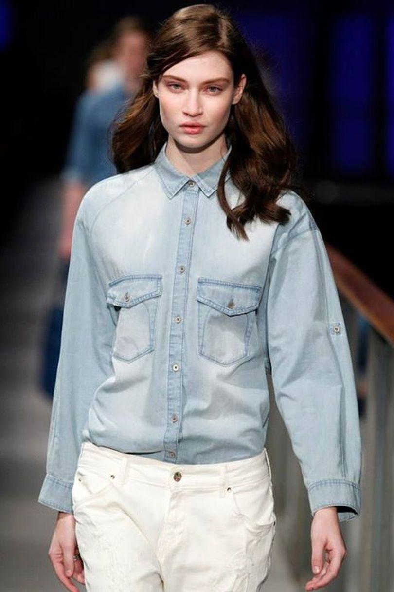 Camicia di jeans come portare il must have di stagione for Acquari prezzi e modelli