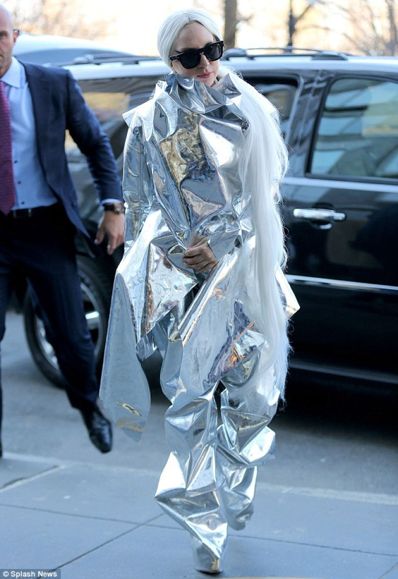 Lady Gaga Silver Outfit