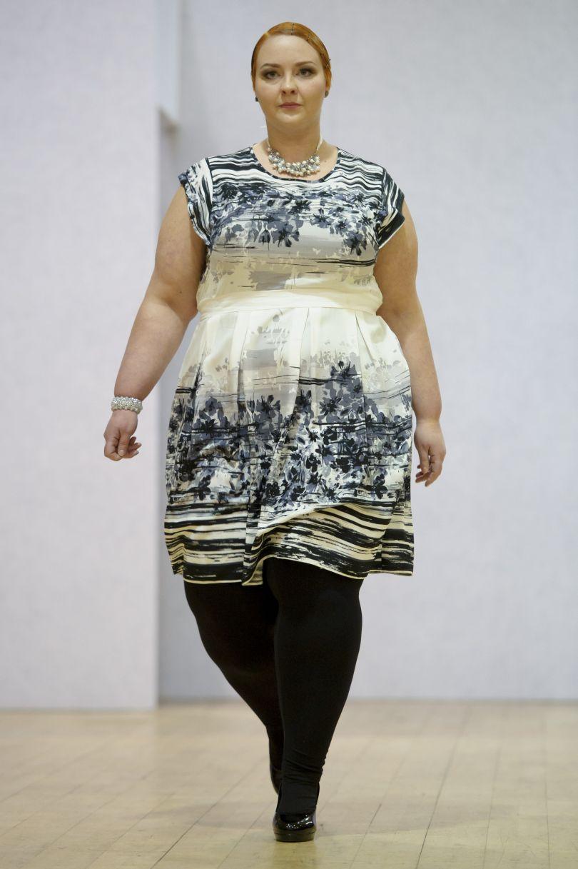 Sfilate Londra 2014 Modelle Curvy In Passerella Per Plus Size Fashion Velvet Style Velvetstyle