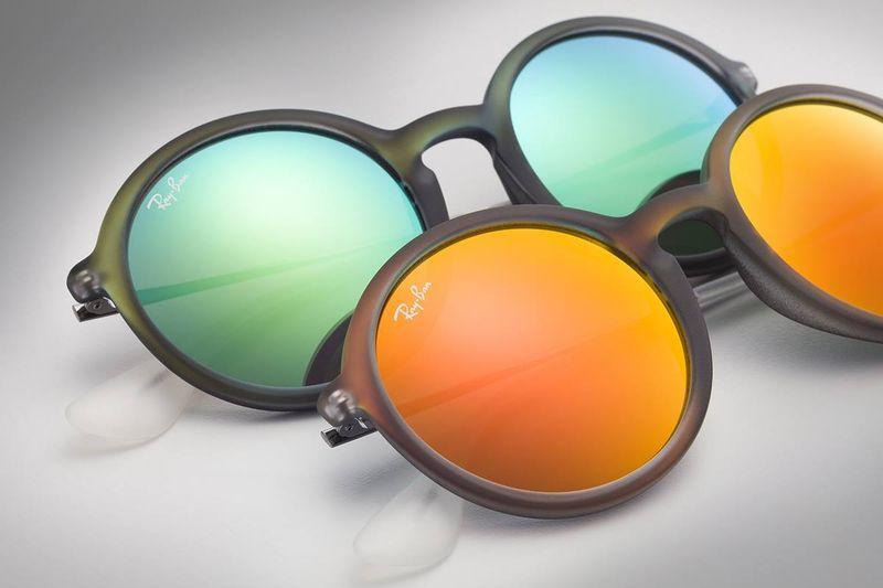 Occhiali da sole colorati a specchio cinemas