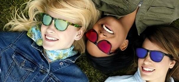 Occhiali oakley le lenti a specchio che amano il colore velvet style velvetstyle - Occhiali lenti colorate a specchio ...