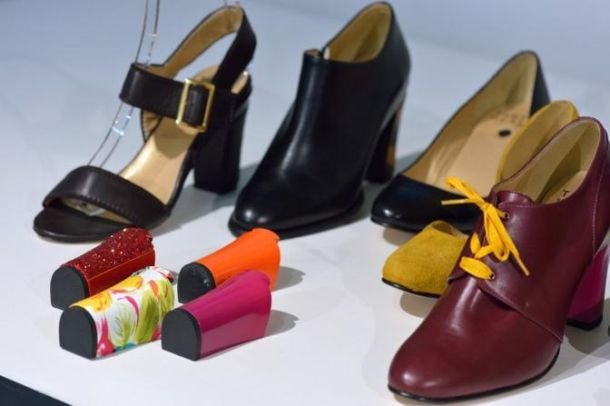 scarpa con tacco rimovibile