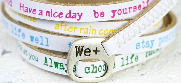 We positive, i braccialetti che hanno conquistato i vip [FOTO]