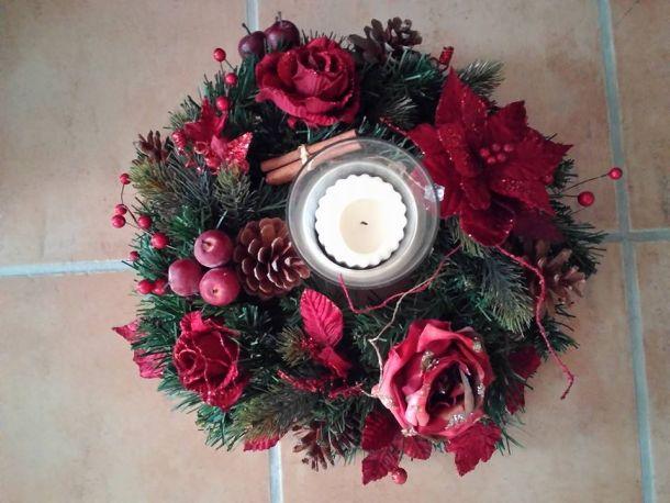 Decorare la casa a natale con stile idee facili low cost e fai da te velvet style velvetstyle - Centro tavola natalizio fai da te ...