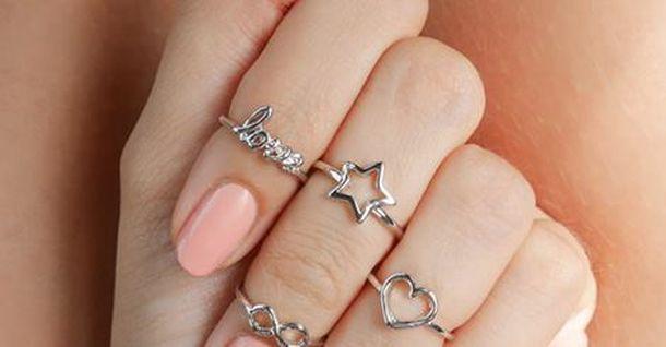 comprare popolare b0836 1f41e Knuckle rings, gli anelli a metà dito si confermano must fra ...