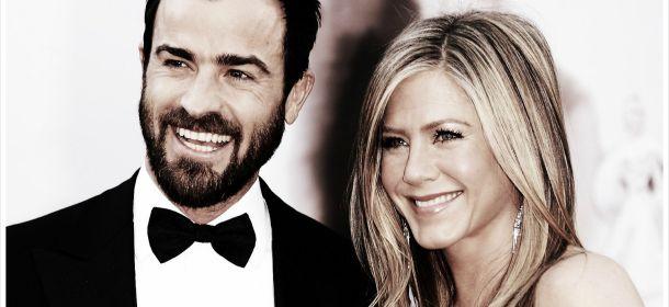 Jennifer Aniston e l'abito bianco sui set: tra tanti modelli quale avrà scelto?