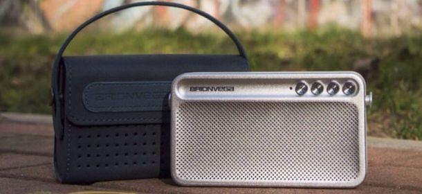 Brionvega, Wearit ts217 è il primo diffusore bluetooth a forma di borsa. La musica s'indossa
