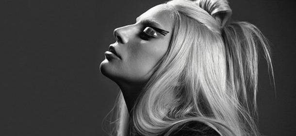 Lady Gaga: la regina dei look stravaganti compie 30 anni