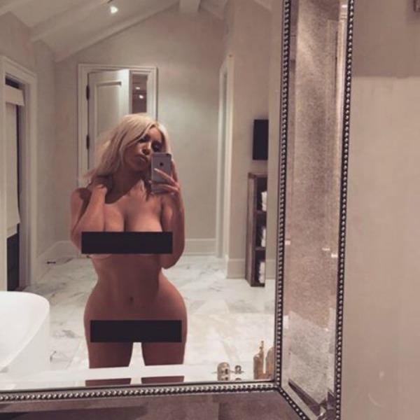 Kim Kardashian nuda sui social