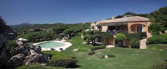 Sardegna ville di lusso in costa smeralda velvet style for Ville rustiche di lusso
