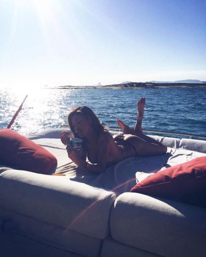 Belén Rodríguez: supersexy in bikini ad Ibiza