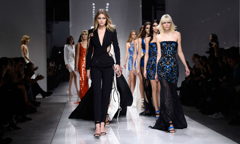 Milano moda donna 2016 il calendario ufficiale velvet for Design della moda milano