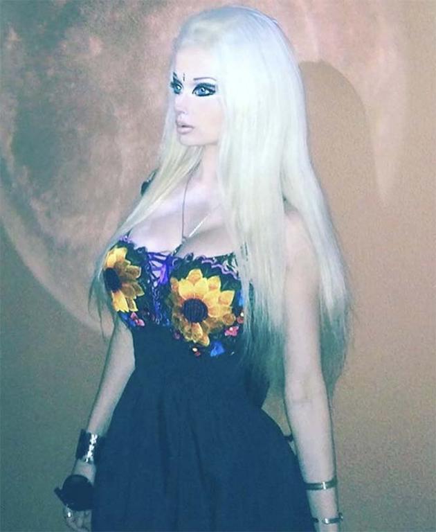 "La ""Barbie Umana"" compie 31 anni VIDEO - Velvet Style ..."