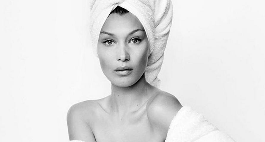 Bella Hadid diventa una Towel Girl