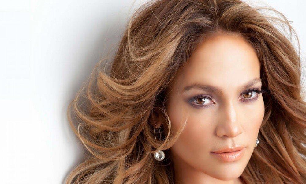 Jennifer Lopez, sedere da 1 milione di like