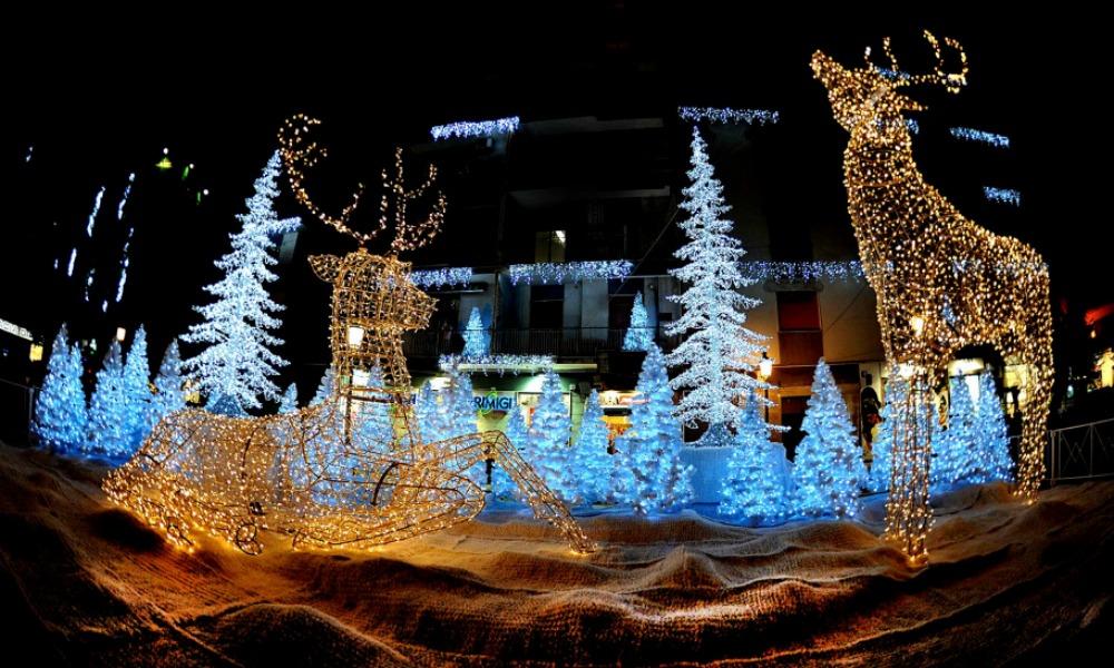 La magia delle luci di Natale a Salerno