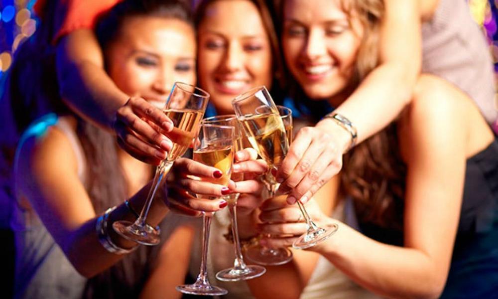 Come organizzare una festa di Capodanno a tema