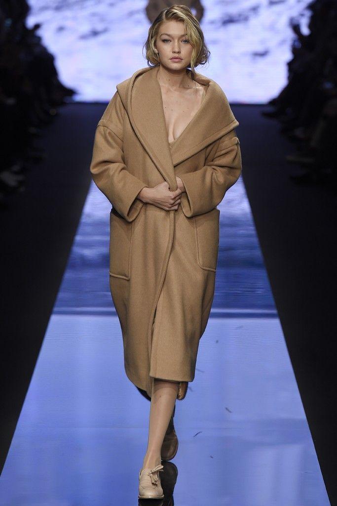 Cappotto cammello Gigi Hadid