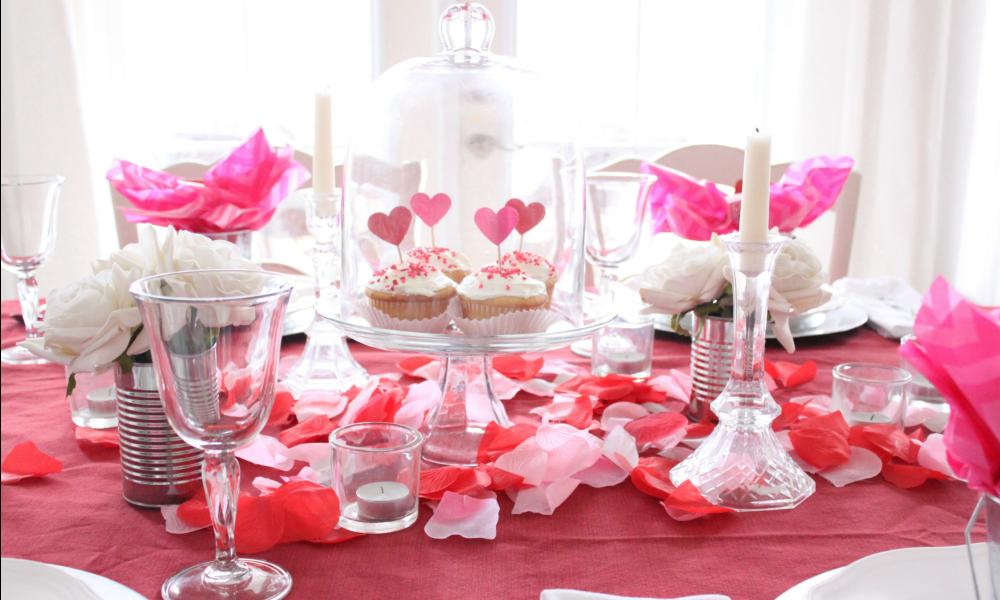 Cena romantica idee per decorare la tavola di san valentino velvet style velvetstyle - Decori per san valentino ...