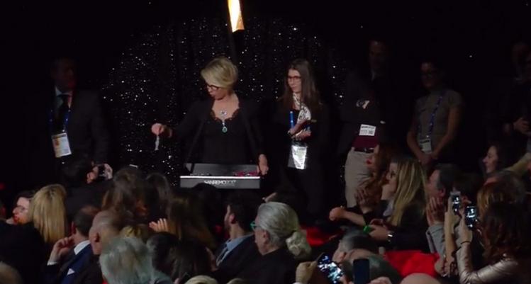 Maria De Filippi choc a Sanremo 2017: la faccia da Festival