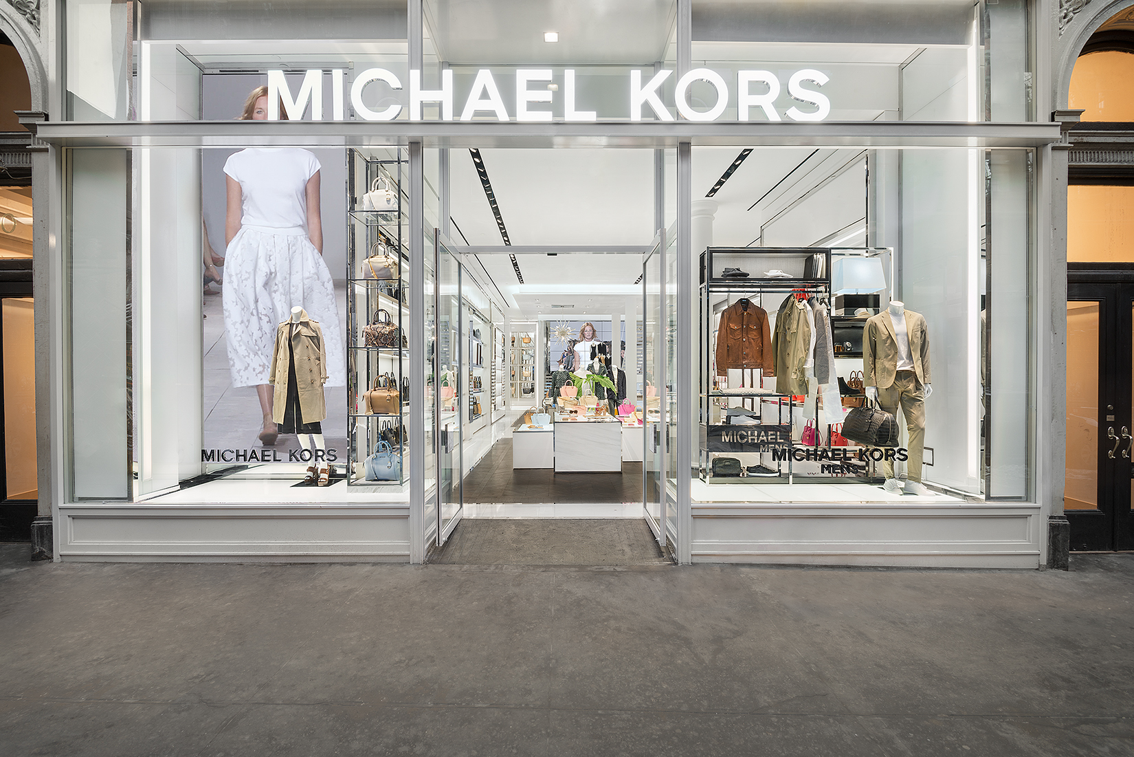 Michael kors ha comprato jimmy choo velvetstyle for Michaels crafts pittsford plaza