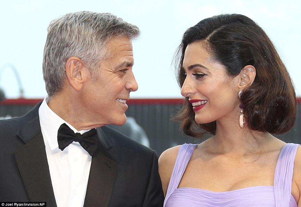 Venezia 74: Suburbicon - La recensione della sorprendente dark comedy di George Clooney
