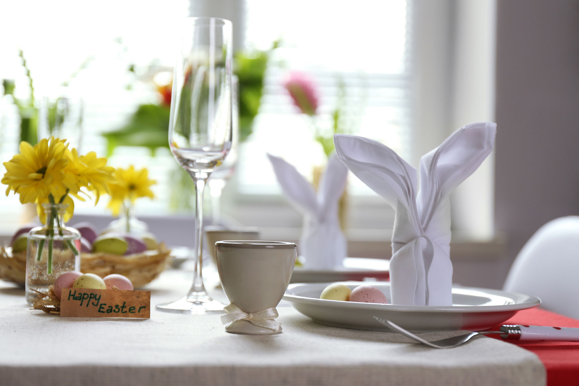 Pasqua 2018 come decorare la tavola velvetstyle - Decori pasquali per la casa ...