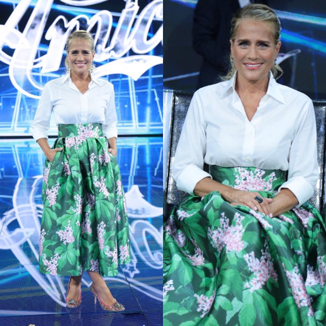 Heather Parisi veste Giada Curti, ecco il brand delle ...